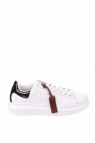 Дамски обувки Guess, Размер 40, Цвят Бял, Естествена кожа, еко кожа, Цена 134,25лв.