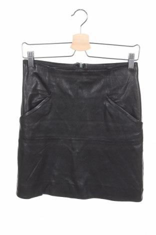 Кожена пола Acne, Размер XS, Цвят Черен, Естествена кожа, Цена 128,52лв.