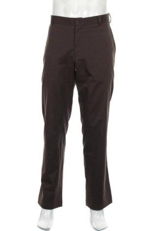 Мъжки панталон Nike Golf, Размер L, Цвят Кафяв, 95% полиестер, 5% еластан, Цена 36,75лв.