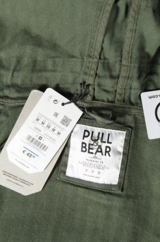 Мъжко яке Pull&Bear, Размер M, Цвят Зелен, Памук, Цена 35,60лв.