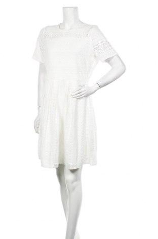 Рокля Vero Moda, Размер XL, Цвят Бял, 75% памук, 25% полиамид, Цена 34,22лв.