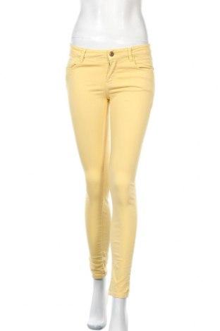Дамски дънки Massimo Dutti, Размер S, Цвят Жълт, 97% памук, 3% еластан, Цена 21,60лв.