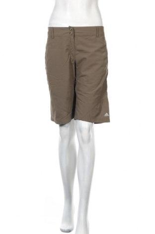 Дамски къс панталон Adidas, Размер M, Цвят Зелен, Полиамид, Цена 12,48лв.