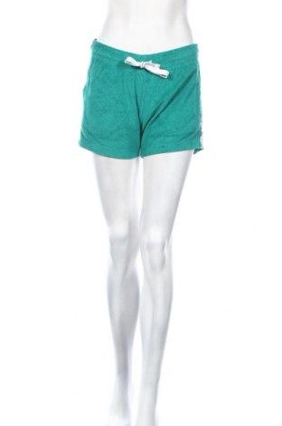 Дамски къс панталон Champion, Размер M, Цвят Зелен, 80% памук, 20% полиестер, Цена 44,25лв.