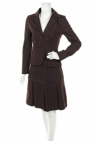 Дамски костюм S.Oliver, Размер M, Цвят Кафяв, 97% памук, 2% полиестер, 1% еластан, Цена 26,10лв.