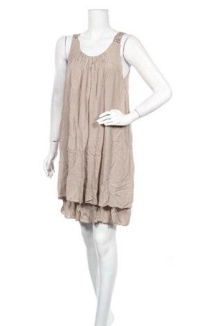 Φόρεμα Famous, Μέγεθος M, Χρώμα  Μπέζ, 95% βισκόζη, 5% ελαστάνη, Τιμή 16,70€