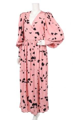 Рокля Selected Femme, Размер M, Цвят Розов, Вискоза, Цена 101,40лв.