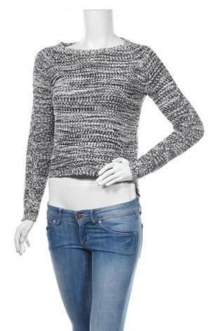 Дамски пуловер Icon Apparel, Размер M, Цвят Бял, 60% полиестер, 35% акрил, 5% метални нишки, Цена 17,64лв.