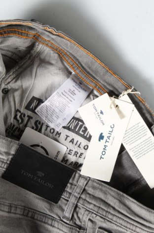Мъжки къс панталон Tom Tailor, Размер L, Цвят Сив, 98% памук, 2% еластан, Цена 41,30лв.