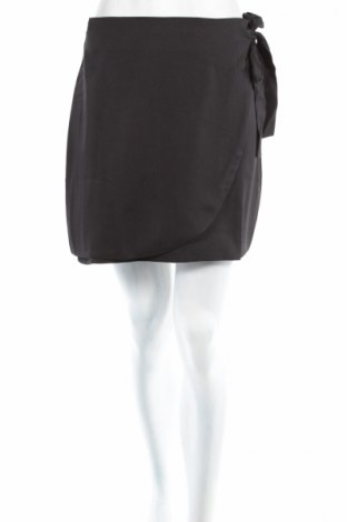 Пола Fashion Union, Размер M, Цвят Черен, 100% полиестер, Цена 8,78лв.