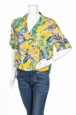 Дамска риза Pull&Bear, Размер S, Цвят Многоцветен, 100% вискоза, Цена 34,00лв.