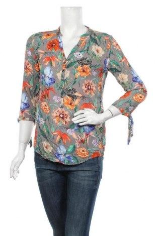 Дамска блуза Cartoon, Размер S, Цвят Многоцветен, Вискоза, Цена 17,85лв.