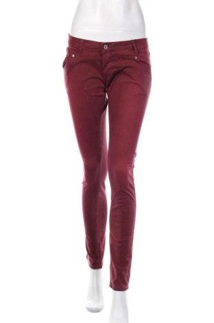 Blugi de femei Please, Mărime M, Culoare Roșu, 98% bumbac, 2% elastan, Preț 102,63 Lei