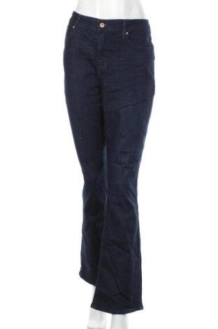 Дамски дънки Signature By Levi Strauss & Co, Размер XL, Цвят Син, 69% памук, 30% полиестер, 1% еластан, Цена 29,40лв.