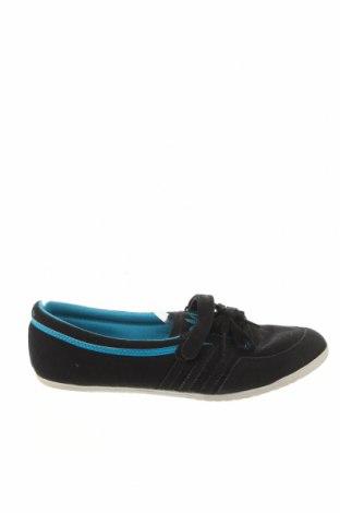 Obuwie damskie Adidas Originals, Rozmiar 40, Kolor Czarny, Materiał tekstylny, naturalny zamsz, Cena 139,20zł