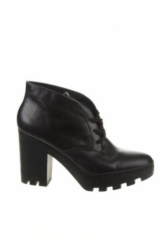 Obuwie damskie Calvin Klein Jeans, Rozmiar 41, Kolor Czarny, Skóra naturalna, Cena 189,60zł
