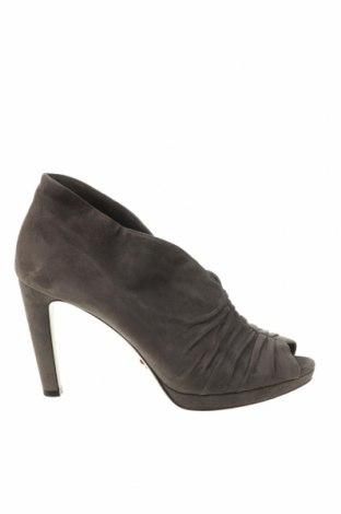 Γυναικεία παπούτσια Prada, Μέγεθος 41, Χρώμα Γκρί, Φυσικό σουέτ, Τιμή 244,95€