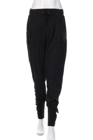 Pantaloni de femei Cream, Mărime M, Culoare Negru, 68% poliester, 32% viscoză, Preț 355,26 Lei
