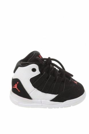 Dětské boty  Air Jordan Nike, Velikost 19, Barva Černá, Eko kůže, textile , Cena  1064,00Kč