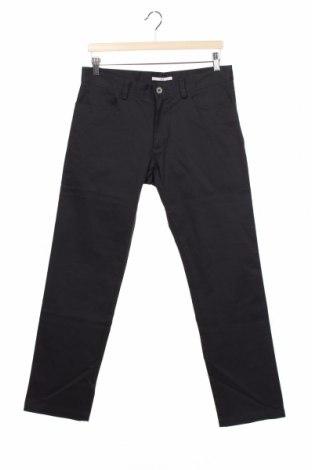Pantaloni de bărbați Calvin Klein, Mărime M, Culoare Gri, 98% bumbac, 2% elastan, Preț 133,22 Lei
