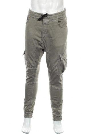 Мъжки панталон Zara, Размер L, Цвят Зелен, 77% памук, 22% еластан, 1% полиестер, Цена 27,75лв.