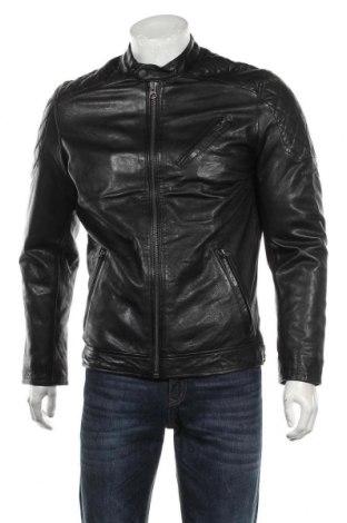 Мъжко кожено яке Pepe Jeans, Размер S, Цвят Черен, Естествена кожа, Цена 387,45лв.
