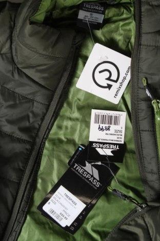 Мъжко яке Trespass, Размер S, Цвят Зелен, Полиамид, Цена 86,42лв.