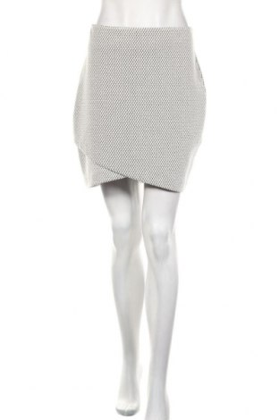 Пола H&M, Размер M, Цвят Бял, 55% памук, 43% полиестер, 2% еластан, Цена 21,00лв.
