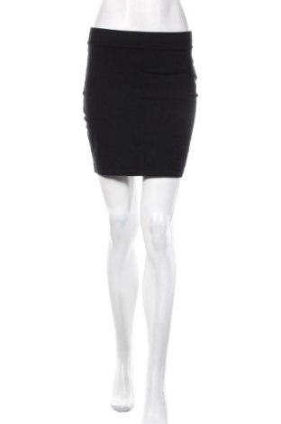 Пола H&M Divided, Размер S, Цвят Черен, 95% памук, 5% еластан, Цена 18,00лв.