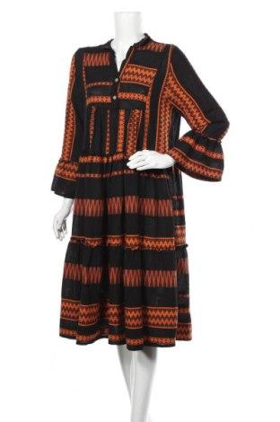 Šaty , Velikost L, Barva Černá, 45% viskóza, 45% bavlna, 10% polyester, Cena  414,00Kč