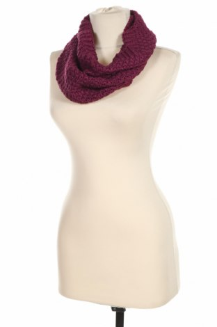 Šála H&M, Barva Fialová, 95%acryl, 3% polyester, 2% kovové nitě, Cena  275,00Kč