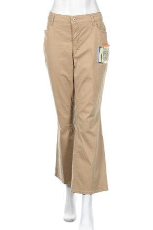 Дамски панталон Faded Glory, Размер XL, Цвят Бежов, 98% памук, 2% еластан, Цена 12,92лв.