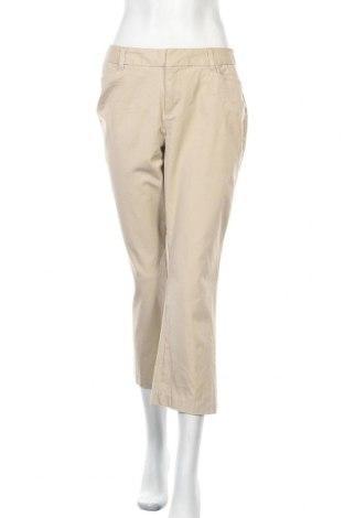 Дамски панталон St. John's Bay, Размер M, Цвят Бежов, 93% памук, 7% еластан, Цена 9,01лв.