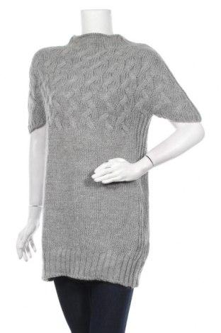 Дамски пуловер United Colors Of Benetton, Размер L, Цвят Сив, 40% акрил, 30% вълна, 10% мохер, 15% вълна от алпака, Цена 24,94лв.