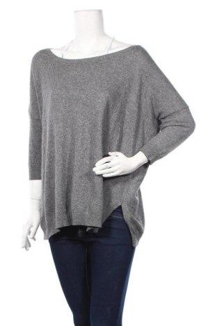 Дамски пуловер United Colors Of Benetton, Размер S, Цвят Сив, 25% вълна, 25% полиамид, 20% ангора, 20% вискоза, 10% кашмир, Цена 27,93лв.