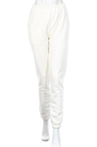 Дамско спортно долнище Nly Trend, Размер S, Цвят Бял, 69% памук, 31% полиестер, Цена 25,50лв.