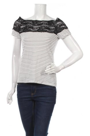 Dámská halenka H&M, Velikost M, Barva Bílá, 95% bavlna, 5% elastan, Cena  414,00Kč