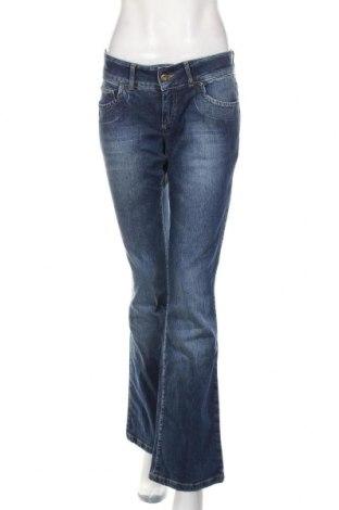 Дамски дънки Vero Moda, Размер M, Цвят Син, 98% памук, 2% еластан, Цена 21,75лв.