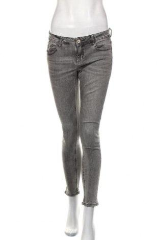 Dámské džíny  Zara, Velikost S, Barva Šedá, 98% bavlna, 2% elastan, Cena  443,00Kč