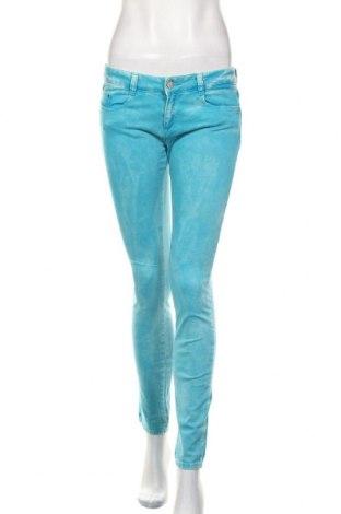 Blugi de femei Zara Trafaluc, Mărime M, Culoare Albastru, 98% bumbac, 2% elastan, Preț 91,28 Lei