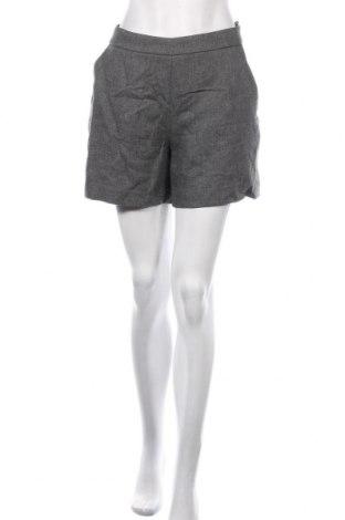 Pantaloni scurți de femei Hallhuber, Mărime M, Culoare Gri, 64% viscoză, 20% lână, 16% poliester, Preț 75,60 Lei