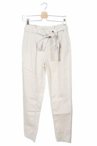 Дамски панталон Oui, Размер XS, Цвят Бежов, 55% лиосел, 43% памук, 2% еластан, Цена 132,30лв.