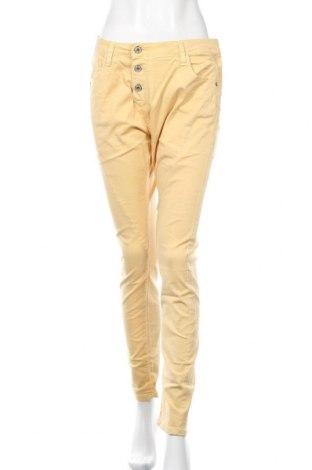 Pantaloni de femei Please, Mărime M, Culoare Galben, 98% bumbac, 2% elastan, Preț 126,00 Lei