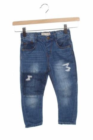 Детски дънки Zara, Размер 2-3y/ 98-104 см, Цвят Син, 75% памук, 25% полиестер, Цена 18,75лв.