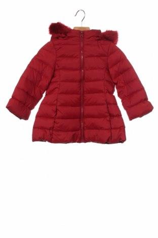 Dětská bunda  United Colors Of Benetton, Velikost 18-24m/ 86-98 cm, Barva Červená, Polyester, peří, Cena  1106,00Kč