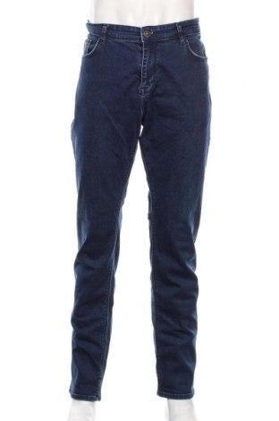 Мъжки дънки Hugo Boss, Размер XL, Цвят Син, 98% памук, 2% еластан, Цена 84,00лв.