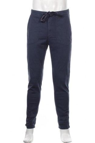 Pantaloni de bărbați Pepe Jeans, Mărime M, Culoare Albastru, 98% bumbac, 2% elastan, Preț 389,14 Lei