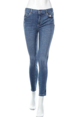 Дамски дънки Pieces, Размер M, Цвят Син, 85% памук, 13% полиестер, 2% еластан, Цена 51,35лв.