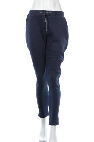 Дамски спортен панталон Peak Performance, Размер XL, Цвят Син, 60% памук, 40% полиестер, Цена 70,85лв.