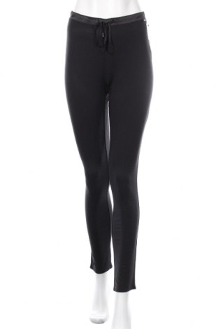 Пижама Calvin Klein, Размер XS, Цвят Черен, 86% модал, 9% коприна, 5% еластан, Цена 55,30лв.